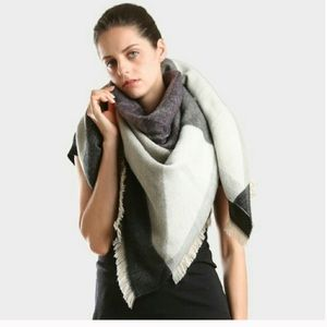 Geometric Pattern Blanket Scarf